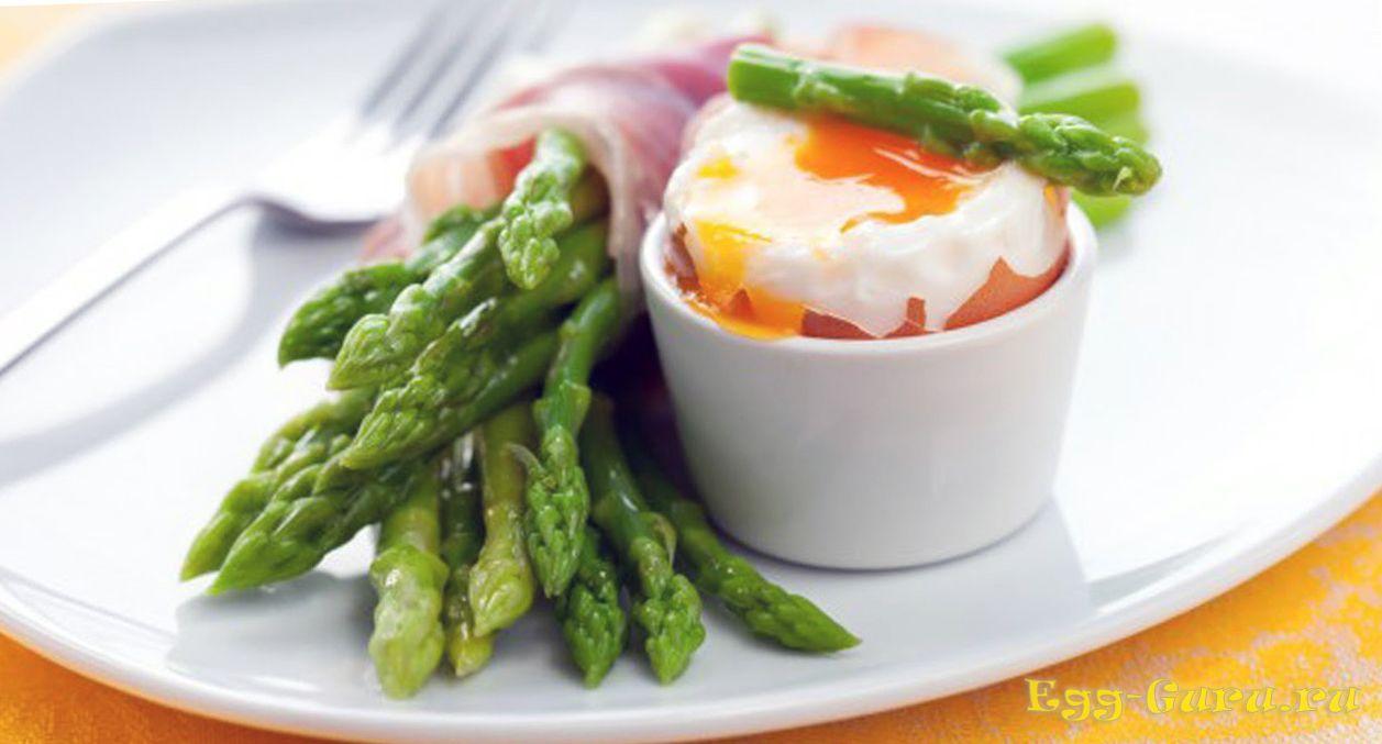 Яйца всмятку на завтрак