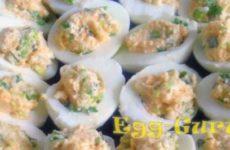 Фаршированные яйца икрой минтая