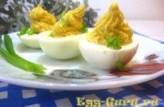 Яйца фаршированные икрой трески