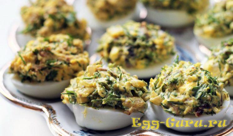 Яйца с начинкой из грибов