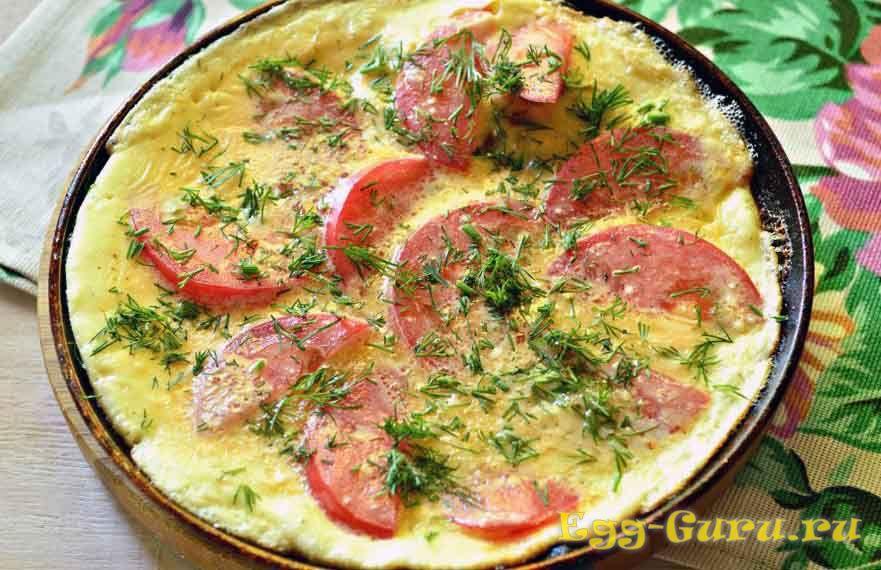 Омлет с томатами и кабачком