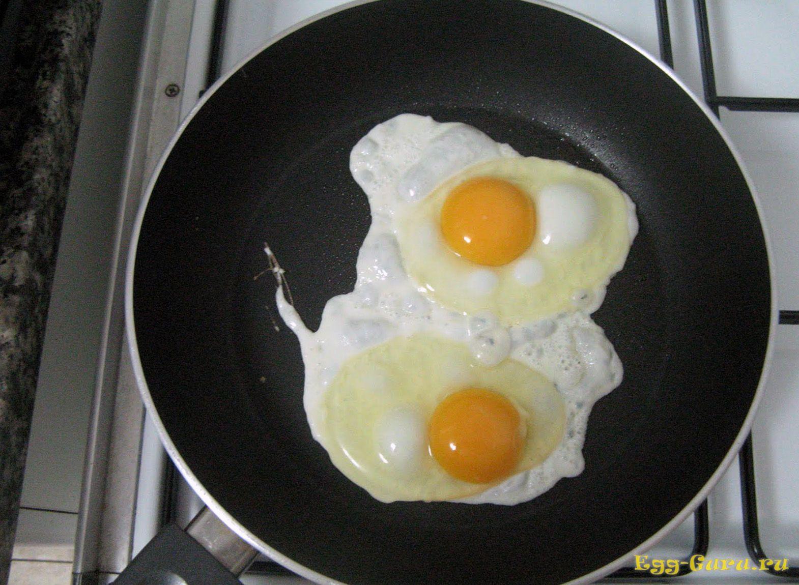 Простая яичница — питательно и быстро