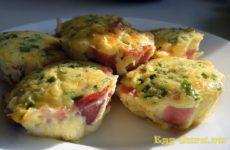Запеченные яйца в духовке — рецепт с фото
