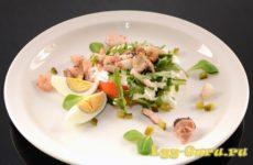 Салат из морского коктейля — рецепт с яйцом