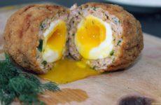 Зразы с яйцом всмятку внутри — рецепт