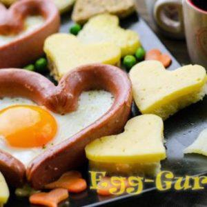 Как приготовить яичницу с сосисками