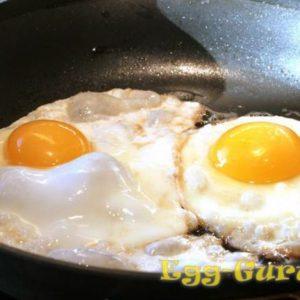 Как быстро и вкусно приготовить яичницу