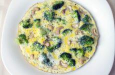 Яичница с брокколи рецепт