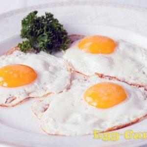 Яичница в микроволновке: рецепт с фото