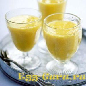 Коктейль молоко яйцо банан мёд